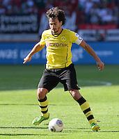 Fussball  1. Bundesliga  Saison 2013/2014   FC Augsburg - Borussia Dortmund      10.08.2013  Mats Hummels (Borussia Dortmund) am Ball