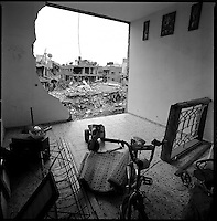 Jabalya, Gaza Strip, Jan 19 2009.An entire neighbourhood was badly damaged when the Israeli air force flattened the house of Nizzar Rayyan, an important Hamas leader of the Ezzedin El Qassam brigade, killing him and his entire family as well as several others..