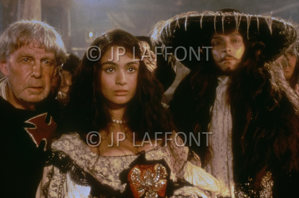 "El Kantaoui, Tunisia, May, 1985. Charlotte Lewis and Antony Peck  on her right during the making of Roman Polanski's movie ""The Pirates""."