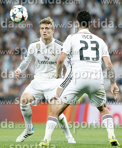 13.05.2015, Estadio Santiago Bernabeu, Madrid, ESP, UEFA CL, Real Madrid vs Juventus Turin, Halbfinale, R&uuml;ckspiel, im Bild Real Madrid's Toni Kroos (l) and Isco // during the UEFA Champions League semi finals 2nd Leg match between Real Madrid CF and Juventus FC at the Estadio Santiago Bernabeu in Madrid, Spain on 2015/05/13. EXPA Pictures &copy; 2015, PhotoCredit: EXPA/ Alterphotos/ Acero<br /> <br /> *****ATTENTION - OUT of ESP, SUI*****
