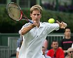 Tennis All England Championships Wimbledon Florian Mayer (GER) spielt eine Vorhand.