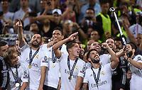 FUSSBALL  CHAMPIONS LEAGUE  FINALE  SAISON 2015/2016   Real Madrid - Atletico Madrid                   28.05.2016 Spieler Real Madrid jubeln auf dem Podium