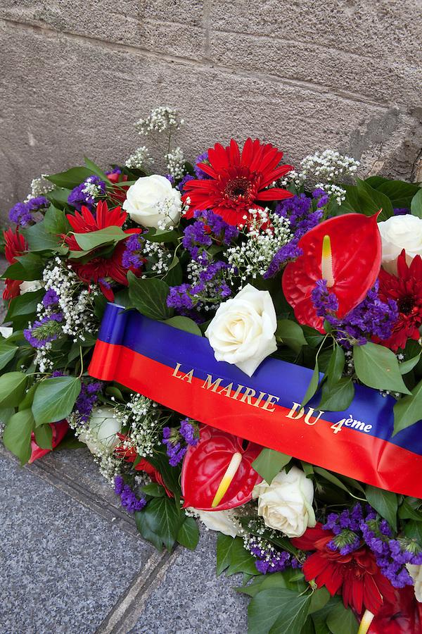 Flower arrangement for the Mayor of the 4th Arrondisement, Rue Saint-Louis en L'ile, Ile de la Cite, Paris, France