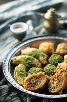 """Europe et Asie /Turquie/Istanbul: Restaurant """"Zeyrekhane"""" Quartier Unkapani - Dessert différentes sortes de Baklava"""