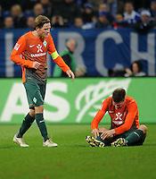 FUSSBALL   1. BUNDESLIGA   SAISON 2011/2012    17. SPIELTAG FC Schalke 04 - SV Werder Bremen                            17.12.2011 Clemens Fritz (li) und Sebastian Proedl (re, beide SV Werder Bremen)