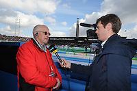 SCHAATSEN: AMSTERDAM: Olympisch Stadion, 02-03-2014, KPN NK Sprint/Allround, Coolste Baan van Nederland, scheidsrechter Jacques de Koning wordt geïnterviewd door Telesport, ©foto Martin de Jong
