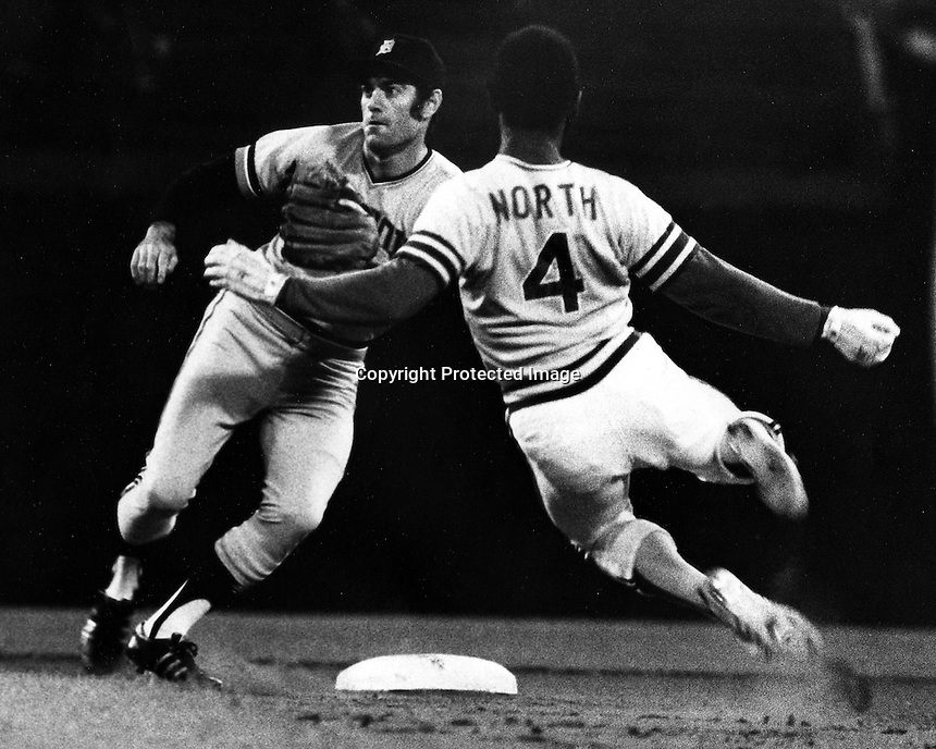 Oakland A's Billy North stealing 2nd base, Detroit Tigers Dick McAuliffe waits for throw. (1973 photo by Ron Riesterer)