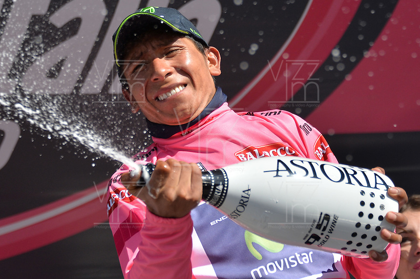 ITALIA. 31-05-2014. Nairo Alexander  Quintana Rojas -Col- (Movistar) celebra al recibir la malla rosa despu&eacute;s su participaci&oacute;n en la etapa 20 entre  Maniago y Monte Zoncolan con una distancia de 167 Km en la versi&oacute;n 97 del Giro de Italia hoy 22 de mayo de 2014. / Nairo Alexander  Quintana Rojas -Col- (Movistar) celebrates to receive the maglia rossa after his participation on the 20th stage between Maniago and Monte Zoncolan with a distance of 167 km in the 97th version of Giro d'Italia today May 22th 2014 Photo: VizzorImage/ Gian Mattia D'Alberto / LaPresse<br /> VizzorImage PROVIDES THE ACCESS TO THIS PHOTOGRAPH ONLY AS A PRESS AND EDITORIAL SERVICE AND NOT IS THE OWNER OF COPYRIGHT; ANOTHER USE HAVE ADDITIONAL PERMITS AND IS  REPONSABILITY OF THE END USER