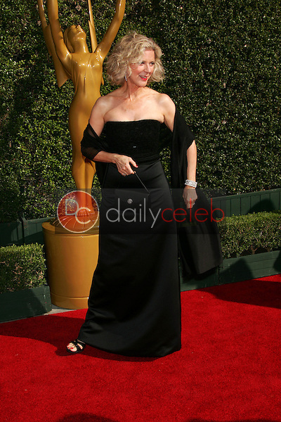 Blythe Danner<br /> Arriving at the 2005 Primetime Creative Arts Emmy Awards, Shrine Auditorium, Los Angeles, CA 09-11-05<br /> David Edwards/DailyCeleb.Com 818-249-4998
