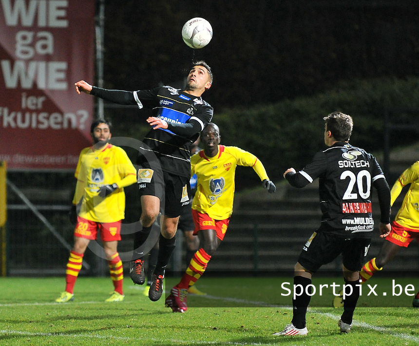 KSV Roeselare - KAS Eupen : Masis Voskanian met de balcontrole<br /> foto VDB / Bart Vandenbroucke