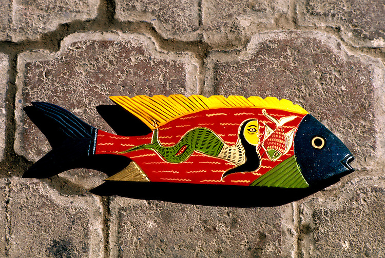 Cruising: Mexico, handicrafts, painted wooden fish, Photo: crumex101  .Photo Copyright: Lee Foster, (510) 549-2202, lee@fostertravel.com, www.fostertravel.com