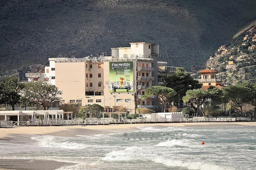 Mondello beach cementification.<br /> La cementificazione del paesaggio di Mondello