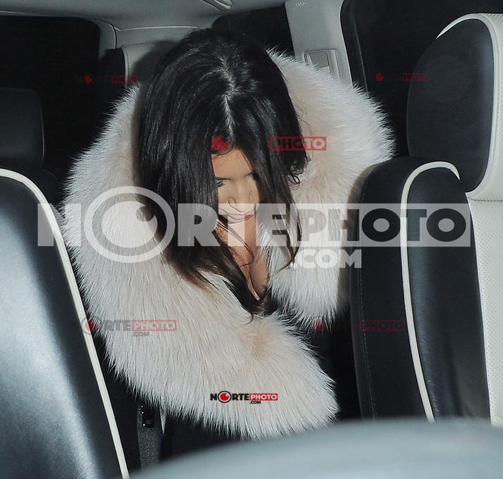 Kim Kardashian seen leaving The Met hotel, London, UK.08/11/2012.<br /> (Photo: BlueStar/OIC/kap1003/NortePhoto)