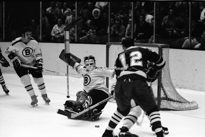 Seals vs Boston Bruins 1970 NHL action:<br />