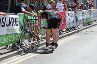 The tandem competitor suffers a broken chain during the Abergavenny Festival of Cycling &quot;Para Grand Prix of Wales&quot; race on Sunday 17th 2016<br /> <br /> <br /> Jeff Thomas Photography -  www.jaypics.photoshelter.com - <br /> e-mail swansea1001@hotmail.co.uk -<br /> Mob: 07837 386244 -