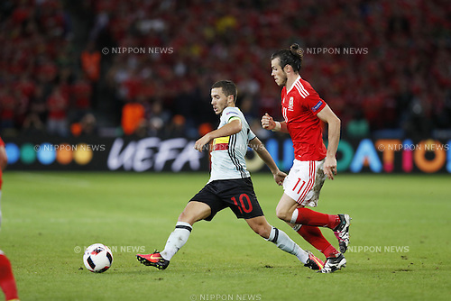 (L-R) Eden Hazard (BEL), Gareth Bale (WAL), JULY 1, 2016 - Football / Soccer : UEFA EURO 2016 Quarter-finals match between Wales 3-1 Belgium at the Stade Pierre Mauroy in Lille Metropole, France. (Photo by Mutsu Kawamori/AFLO) [3604]