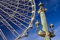 Streetlight and Place de la Concorde ferris wheel called La Grande Roue, Central Paris, France