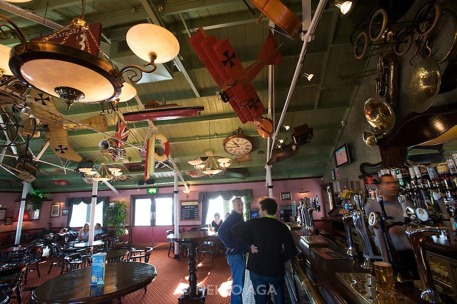 Brighton Pier. Victoria's Bar.
