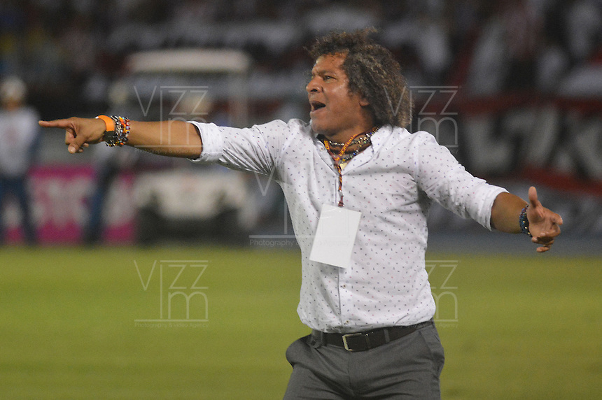 BARRANQUILLA- COLOMBIA -13 -03-2016: Alberto Gamero, técnico de Deportes Tolima, durante partido entre Atletico Junior y Deportes Tolima, de la fecha 9 de la Liga Aguila I-2016, jugado en el estadio Metropolitano Roberto Melendez de la ciudad de Barranquilla. / Alberto Gamero, coach of Deportes Tolima, during a match between Atletico Junior and Deportes Tolima, for date 9 of the Liga Aguila I-2016 at the Metropolitano Roberto Melendez Stadium in Barranquilla city, Photo: VizzorImage  / Alfonso Cervantes / Cont.
