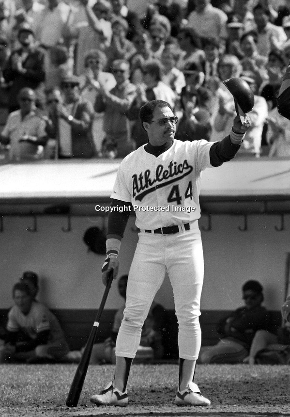 Reggie Jackson waves to the crowd in his last at bat for the Oakland A's Oct 1,1987 @photo: Ron Riesterer