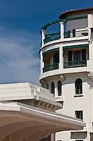 Europe/France/Aquitaine/64/Pyrénées-Atlantiques/Pays-Basque/Biarritz: Auvent du portail du Casino et Immeuble Art-déco