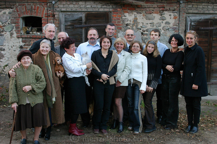 Wiezowski/Ledochowicz family. All Saints Day dinner. Zadzim, Poland.