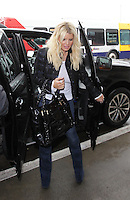JAN 12 Jessica Simpson And Family at LAX