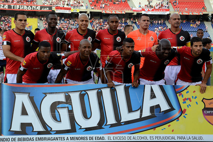 BARRANQUILLA - COLOMBIA -11 -07-2015: Los jugadores de Cucuta Deportivo posan para una foto durante partido entre Atletico Junior y Cucuta Deportivo, por la fecha 1 por la Liga Aguila II 2015, jugado en el estadio Metropolitano Roberto Melendez de la ciudad de Barranquilla. / The player of Cucuta Deportivo pose for a photo during a match between Atletico Junior and Cucuta Deportivo, for the date 1 of the Liga Aguila II 2015 at the Metropolitano Roberto Melendez Stadium in Barranquilla city. Photo: VizzorImage  / Alfonso Cervantes / Cont