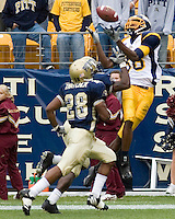 30 September 2006: Toledo wide receiver Stephen Williams was unable to make this catch as the Pitt Panthers defeated the Toledo Rockets 45-3 on September 30, 2006 at Heinz Field, Pittsburgh, Pennsylvania.