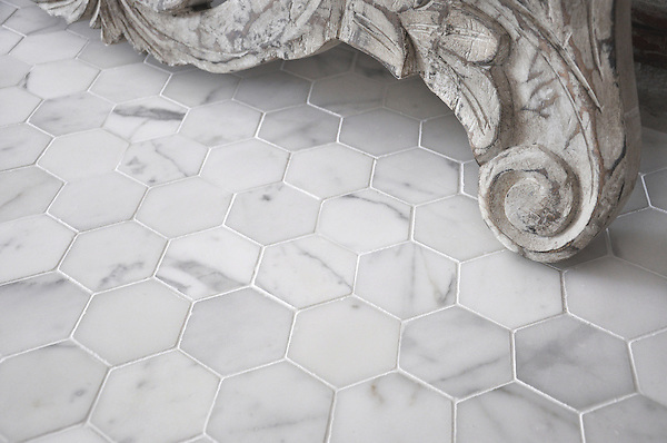 7 cm Hex shown in honed Statuary Carrara is part of New Ravenna's Studio Line. All mosaics in this collection are ready to ship within 48 hours. <br /> <br /> For pricing samples and design help, click here: http://www.newravenna.com/showrooms/