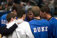 Eric Boateng (C) motivates his Duke university teammates during a timeout in a pre-season college game at the Madison Square Garden in New York City, United States, 25 November 2005.