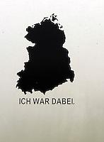 """IFA und Trabant Treffen 2013 in Rackwitz (OT Podelwitz) - DDR-Experte Roland Ebert lädt zur alljährigen Zusammenkunft der Trabifans - im Bild: Aufkleber auf einem Wohnanhänger mit der Silhouette der DDR und dem Schriftzug """"ich war dabei"""". Foto: Norman Rembarz"""