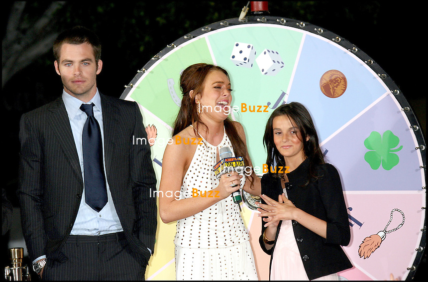"""CHRIS PINE, LINDSAY LOHAN, SA SOEUR ALIANA - PREMIERE DE """"JUST MY LUCK"""" A LOS ANGEMES.."""" JUST MY LUCK """" MOVIE PREMIERE AT THE MANN NATIONAL THEATER IN WESTWOOD.. LOS ANGELES"""