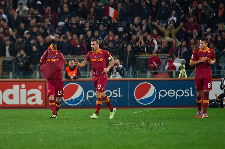 ROMA (RM) 19/11/2012: SERIE A TREDICESIMA GIORNATA ROMA - TORINO. INCONTRO VINTO DALLA ROMA PER 2 A 0. NELLA FOTO L'ESULTANZA DELLA ROMA DOPO IL GOAL CASTAN LA MELA E PIRIS FOTO ADAMO DI LORETO/