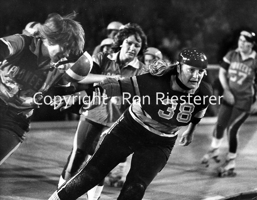 Roller Derby, #38 Joan Weston.(photo Ron Riesterer 1978)