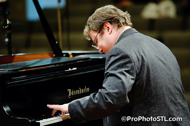 Peter Henderson in piano recital at Main Auditorium of Maryville University in St. Louis, MO on Jan 25, 2010.