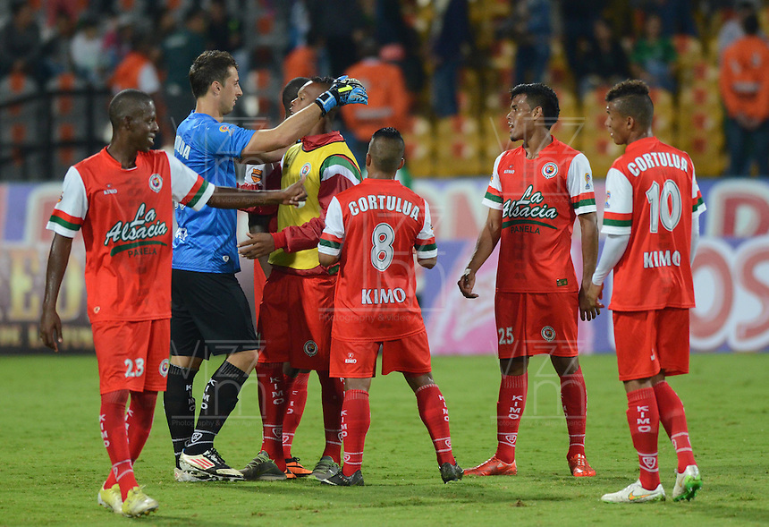 MEDELLIN - COLOMBIA -04 -04-2015: Los jugadores de Cortulua, celebran la victoria sobre Atletico Nacional, durante partido entre Atletico Nacional y Cortulua por la fecha 13 entre Atletico Nacional, y Cortulua, de la Liga Aguila I-2015, en el estadio Atanasio Girardot de la ciudad de Medellin.  / The players of Cortulua, celebrate the victory against to Atletico Nacional during a match of the 13 date between Atletico Nacional, and Cortulua, for the Liga Aguila I -2015 at the Atanasio Girardot stadium in Medellin city. Photo: VizzorImage. / Leon Monsalve / Str.