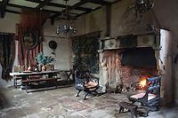 Historical Hellens, England