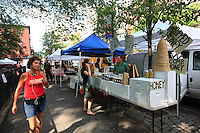 Andrew Coté sets up in the green and organic markets in the city of New York at Union Square and in Tompkins Square Park to sell his New York bees' production and also the honey from his 220 hives in Connecticut.