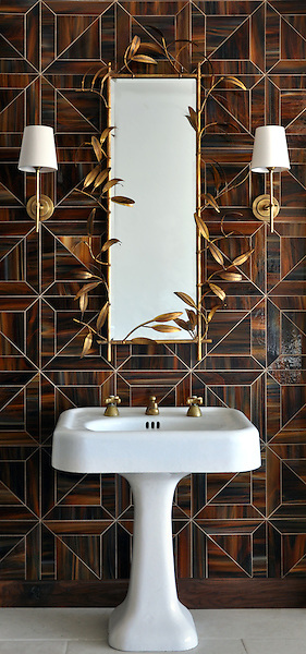 Truman, a jewel glass waterjet mosaic shown in Tortoise Shell, is part of the Parquet Line by Sara Baldwin for New Ravenna Mosaics. <br /> As seen in Elle Decor