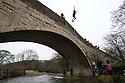 2016_01_01_bridge_jump