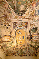 "Soffitto affrescato nel Palazzo ""Quarto Nuovo"" della villa Litta Borromeo a Lainate...The frescoed celling of a room of the palace ""Quarto Nuovo"" of Villa Litta Borromeo in Lainate"