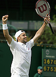 Tennis All England Championships Wimbledon Nicolas Kiefer (GER) jubelt nach seinem 5-Satz-Sieg.