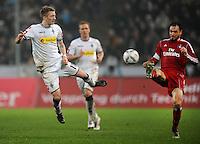 FUSSBALL   1. BUNDESLIGA   SAISON 2011/2012   23. SPIELTAG Borussia Moenchengladbach - Hamburger SV         24.02.2012 Marco Reus (li, Borussia Moenchengladbach) gegen Heiko Westermann (re, Hamburger SV)