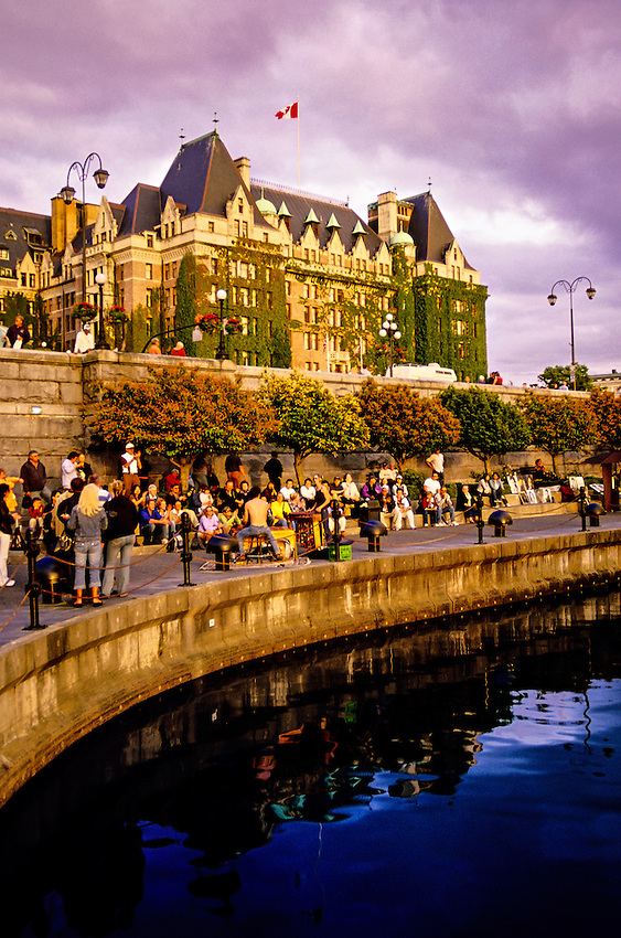 Inner harbour fairmont empress hotel in back victoria - Fairmont hotels and resorts head office ...