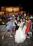 20120624 ROMA-CRONACA: EURO 2012, TIFOSI IN FESTA PER LA VITTORIA DELLA NAZIONALE NEI QUARTI