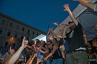 Roma 13 Giugno 2011.Festa a Piazza della Bocca della Verita'   per la vittoria  dei referendum dei  comitati «Vota Sì per fermare il nucleare» e «due Sì per l'acqua bene comune». Il cantante Piotta