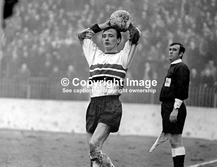 Billy McKeag, footballer, Glentoran FC, Belfast, N Ireland, throw-in, February, 1970, 197002000080<br />