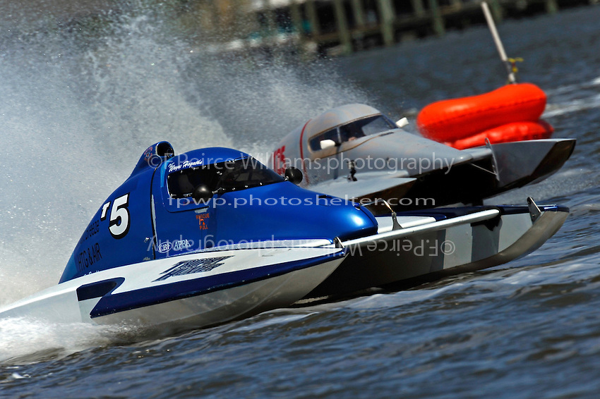 "Keith McMullen, T-5 and Kenny Walton, T-24 ""Wanna Bee II"" (1 Litre Stock hydroplane(s)"