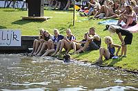 FIERLJEPPEN: GRIJPSKERK: 27-08-2016, Nederlands Kampioenschap Fierljeppen/Polsstokverspringen, publiek, ©foto Martin de Jong